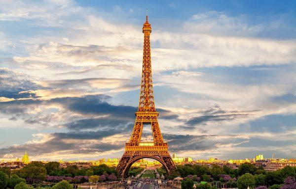 רומנטיקה בעיר האורות: חמישה מקומות להצעת נישואין בפריז